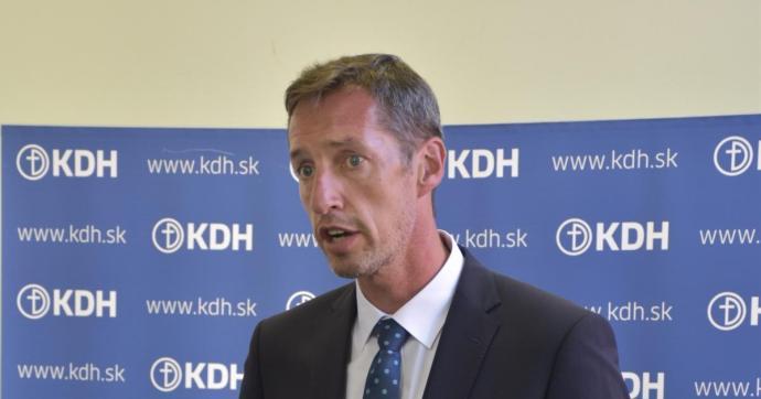 A parlamenten kívüli pártok is aggódnak a kormány felelőtlen járványkezelése miatt