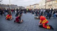 Elképesztő flashmob a Keletinél – videó