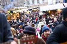 Több százan csatlakoztak a gitáros flashmobhoz a Szent István-bazilika előtt