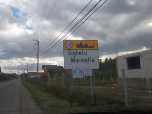 Magyarellenesség: Két napig bírta a magyar felirat a helységnévtáblán