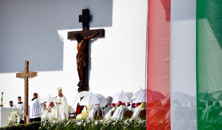 NEK – Erdő Péter: az eucharisztia a keresztények küldetésének forrása