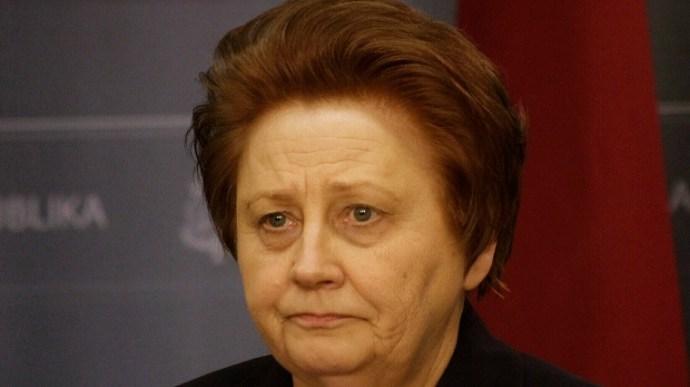 """A lett kormányfő is nő, mégsem a politikában éli ki anyai hajlamait: """"vissza kell toloncolni a gazdasági menekülteket!"""""""