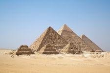 Átvilágítják az egyiptomi piramisokat, hogy megfejtsék építésük titkát