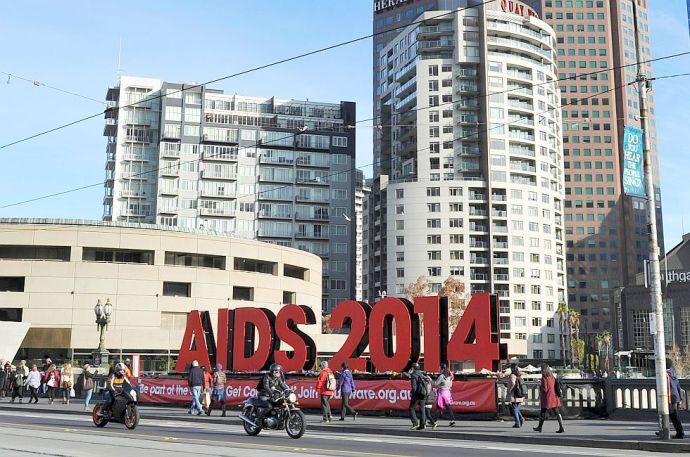 Politikai menedékjogot kért 25 AIDS-kutató