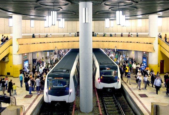 Használhatatlan metrókocsikat vett 100 millió euróért a Metrorex