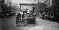 """""""Emberelkapó"""" ráccsal próbálták elkerülni a halálos gázolásokat a korai autókon"""