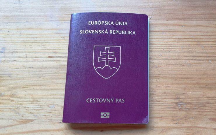A rendőrség figyelmeztet: Ne hagyjuk az utolsó pillanatra útlevelünk intézését