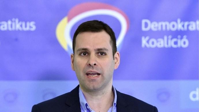 DK: azok a hazafiak, akik megszavazták a jelentést