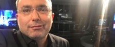 Svábyt a sajátjai zúzták porrá