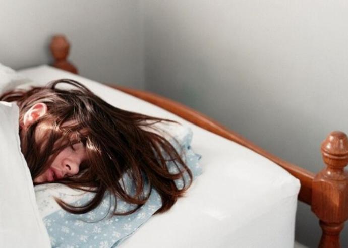 Esti szokások, amelyek tönkretehetik a hajat