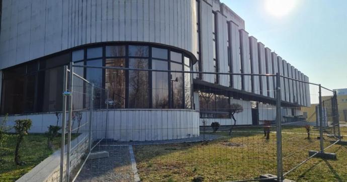 Épületfelújításról és újranyitási előkészületekről Gál Tamással, a Komáromi Jókai Színház igazgatójával