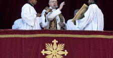 Közös imádkozás: Teljes búcsúval járó Urbi et Orbi áldás és kérés Ferenc pápától