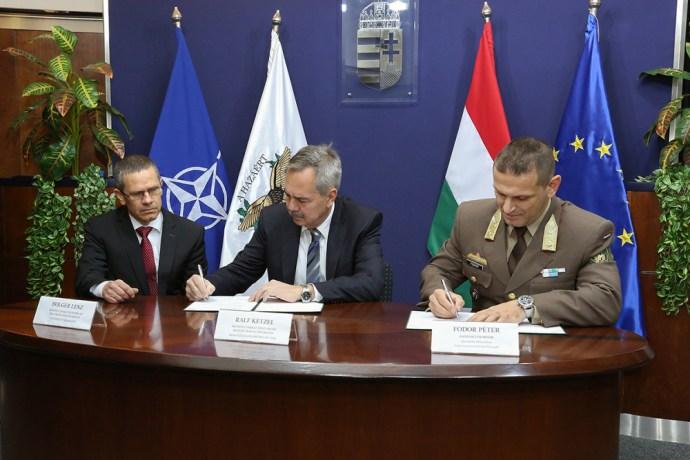 """Német """"papírcica"""" vagy a világ legjobbja? – Leopard tankokkal erősít a Magyar Honvédség"""