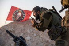 Nagy áldozatok árán, de visszaverték az Iszlám Állam homszi offenzívázát (videó)