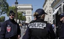 Saját kezével vetett véget életének egy francia rendőr, miután megölt három embert