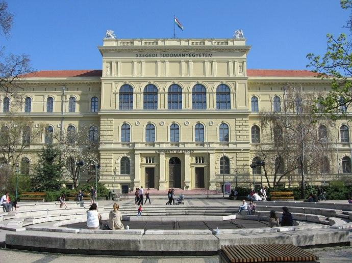 A 440 éves Szegedi Tudományegyetem idén online rendezi meg a Szent-Györgyi Tanulmányi Versenyt