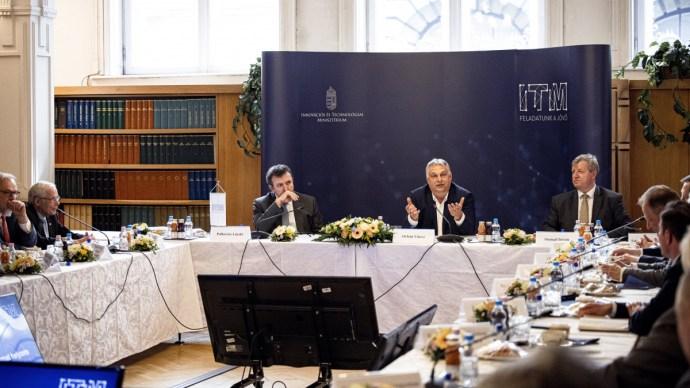 Orbán Viktor: az egyetemi kuratóriumok leváltak az államról
