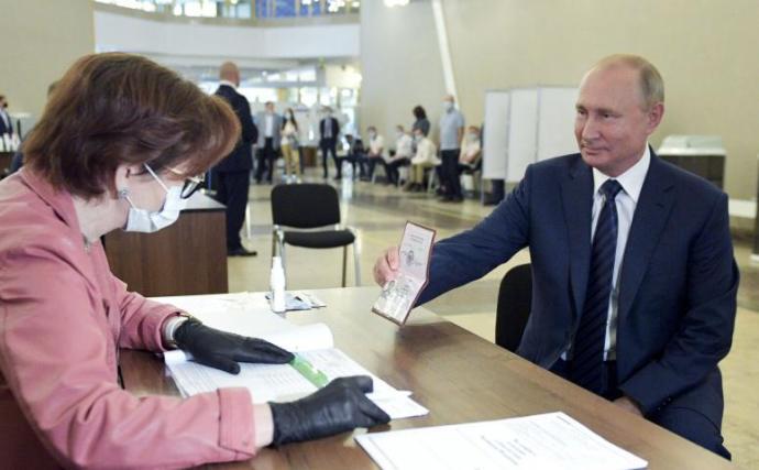 Alkotmánymódosítás Oroszországban: csökkentik a homoszexuálisok jogait