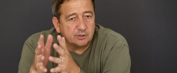 Bayer Zsolt: Egy itt élő külföldi barátomtól kaptam…