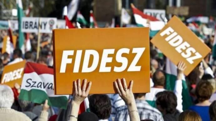 Hidvéghi: a Fidesz döntése lesz néppárti tagságának sorsa