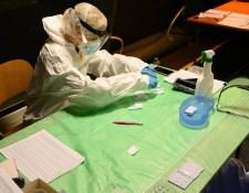Tömeges tesztelés – Nyitrán az elmúlt héthez képest felére csökkent az azonosított fertőzöttek száma