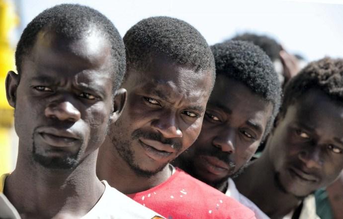 Bírság járhat a migránsok befogadásáért
