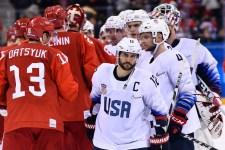 Amerikai edző nem fog kezet orosz társával a megszégyenítő hokivereség után