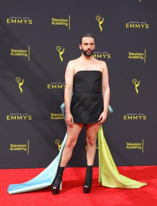 Az Emmy-gálát is elérte a haladás – lassan már sehol sem lehet normális embert látni