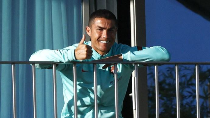 Cristiano Ronaldónak elege van, hazamegy