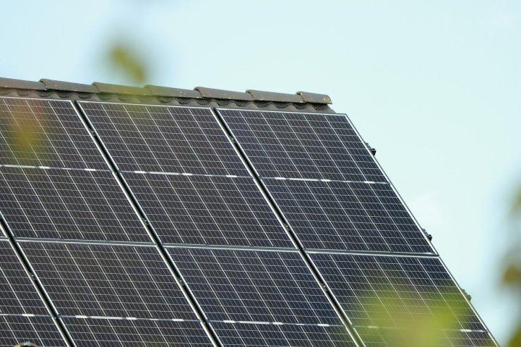Sokat spórolhat azzal, ha július előtt napelemeket telepít