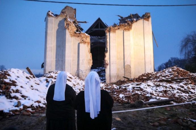 A remény nem repedt meg – Elkísértük a Karitászt a földrengés sújtotta Horvátországba