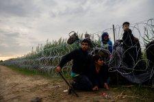 Egyre több a menekült – Magyarország egyoldalú intézkedésekre kényszerült