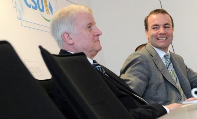 Seehofer bukik – Manfred Weber lehet a CSU új elnöke?
