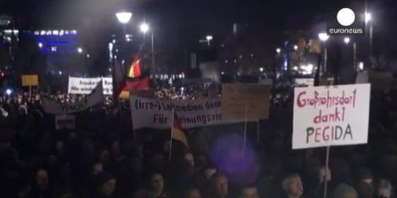"""""""Új típusú"""" szélsőjobboldali tüntetések zajlanak szerte Németországban (Videó)"""