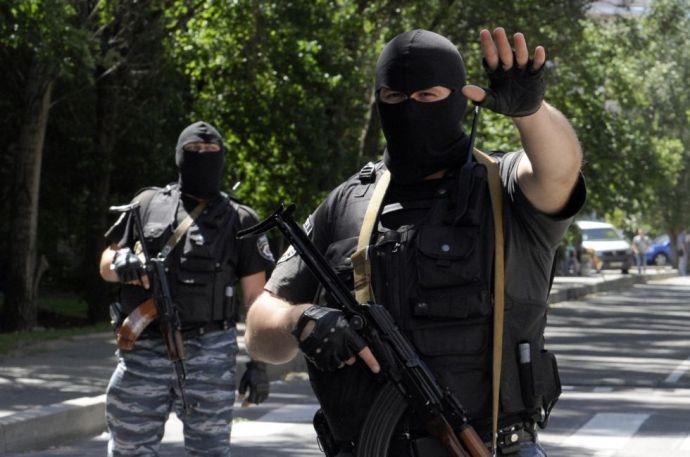 Puskatusal ütötték le a magyar konzult Luhanszkban