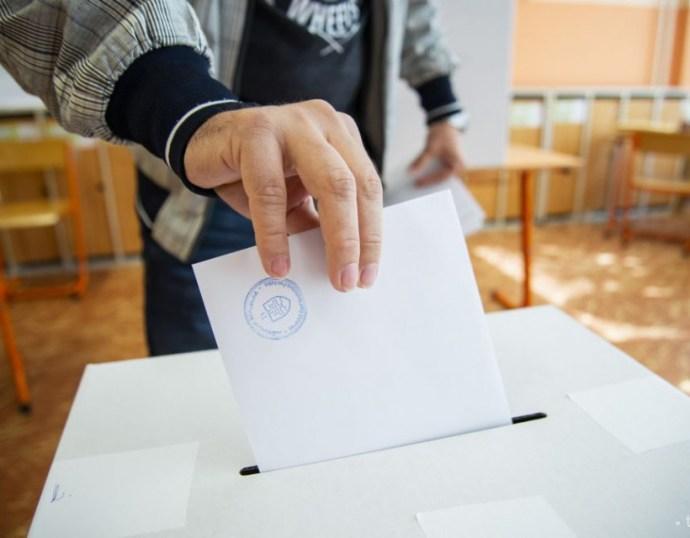 Az Új Szó kérdez, a magyar pártok válaszolnak!