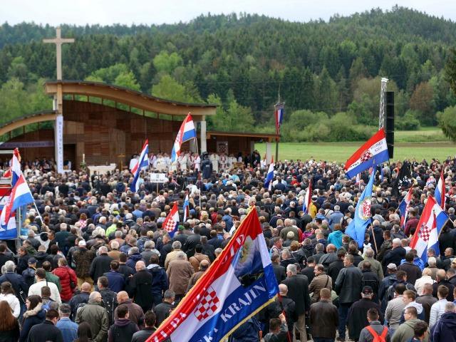 Sneidernét utánzó integetésektől rettegve tiltották be az idei bleiburgi misét