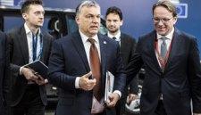 Mégsem állítják meg Brüsszelt: puhul Orbánék migránspolitikája