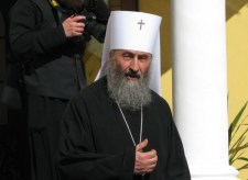 Porosenko a moszkvai patriarchátus vezetőjének segítségét kérte