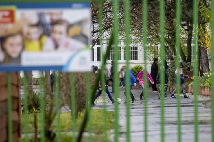 Egyre durvuló iskolai zaklatások: megvakítottak egy fiút az osztálytársai Szegeden