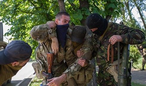 Polgárháború Ukrajnában- 100 fölötti a halottak száma Donyeckben