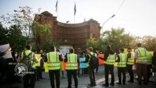 """Iráni diákok tüntettek Teheránban a francia követség előtt a """"sárga mellényes"""" mozgalmat támogatva"""