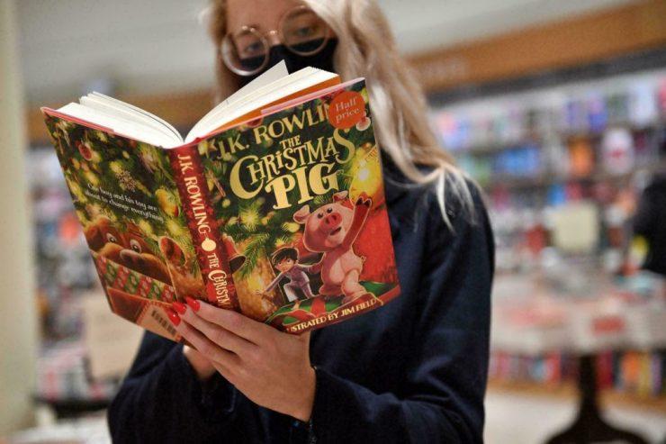 Új könyv jelent meg a Harry Potter írójától