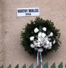 Kunhegyesen Horthy Miklós utcát avattak a helybeliek kérésére – kezdődhet az újabb ajvékoláshullám