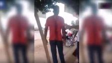 VIDEÓ: késsel a hátában, nyugodtan várakozott a mentőkre