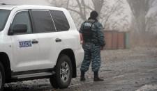 Kelet-Ukrajnában tűz alá kerültek az EBESZ képviselői