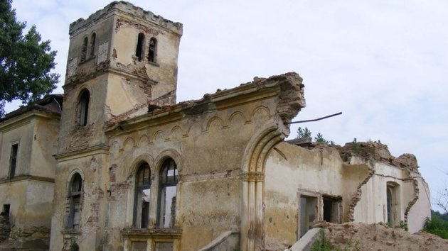 Összeomlott az 1990 óta gazdátlan Bay-kastély Erdélyben