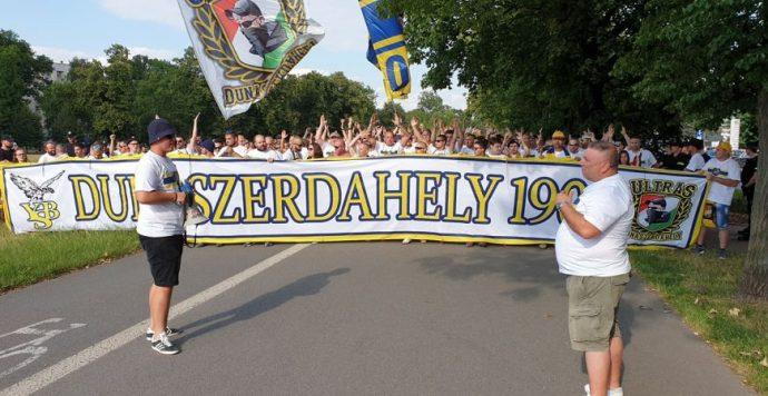 Körkép-exkluzív: Így vonultak a DAC-szurkolók a Cracovia elleni meccsre – Képek, videó
