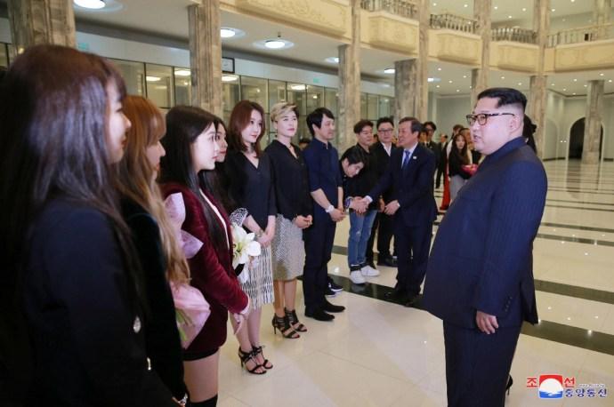 Kim Dzsong Unt levették a lábáról a déli zenészek