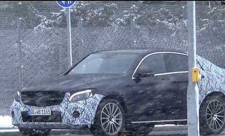 Ilyen lesz a Mercedes BMW X4-riválisa – VIDEÓ